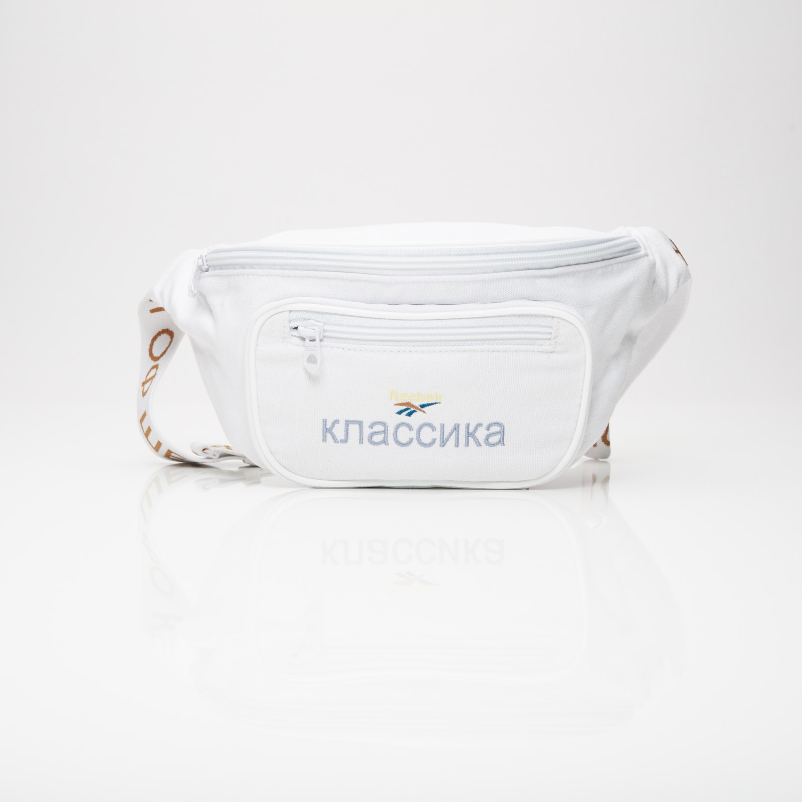 0ef863ec5b9 Reebok Classic Waistbag X Walk Of Shame - Dp4942 - Sneakersnstuff ...