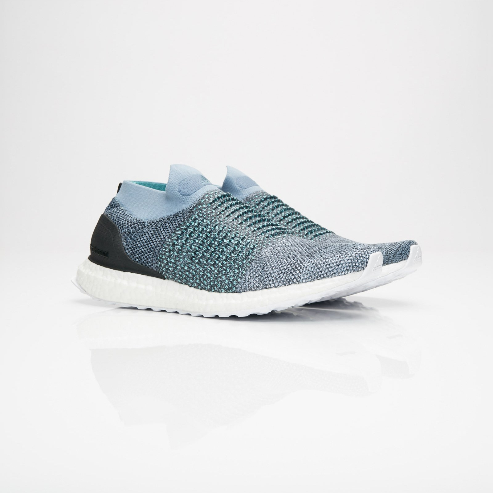 cheap for discount 5953d aa768 adidas Ultraboost Laceless Parley - Cm8271 - Sneakersnstuff ...