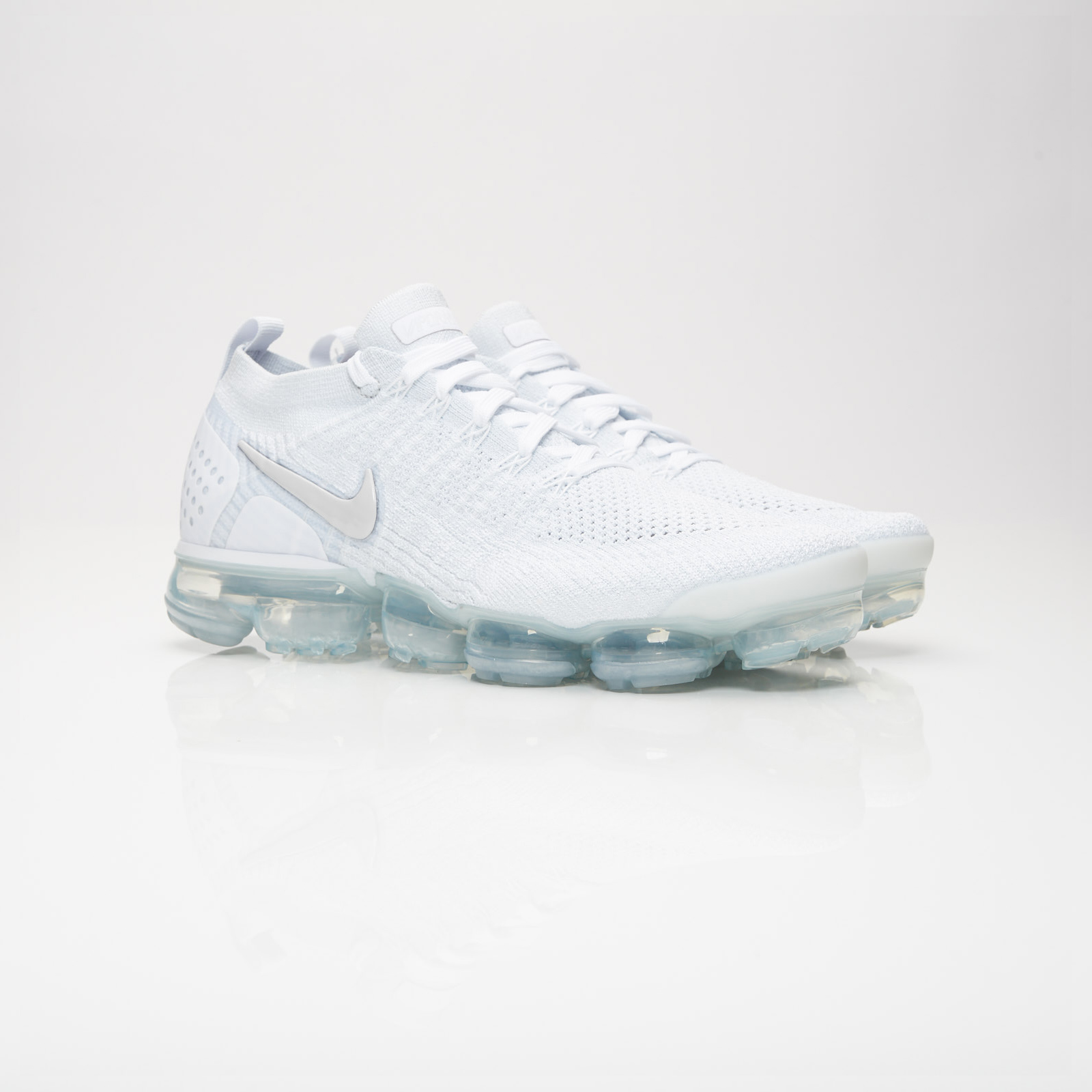 big sale 27b17 29a67 Nike Air Vapormax Flyknit 2 - 942842-105 - Sneakersnstuff ...