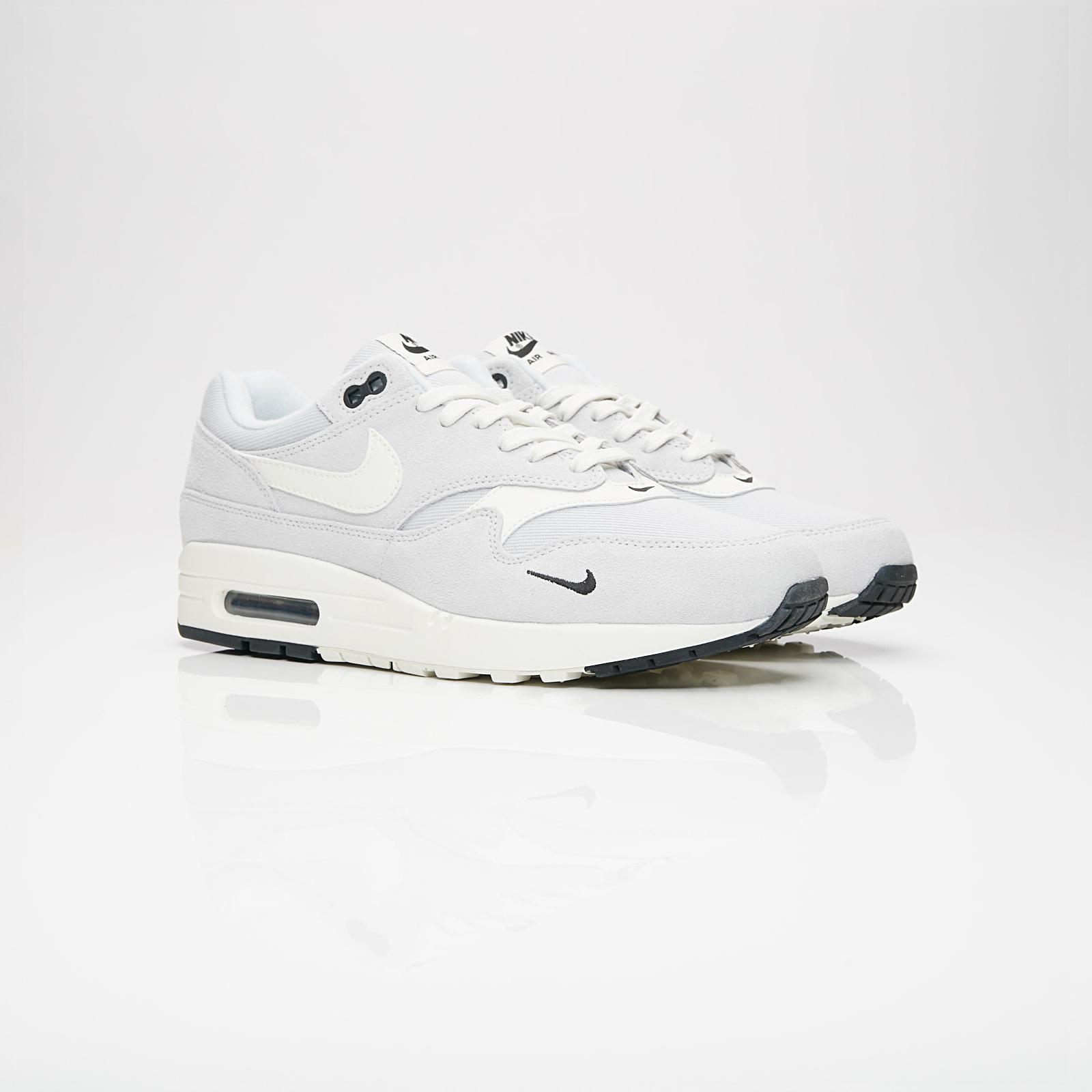 quality design 8b51a ea7bd Nike Sportswear Air Max 1 Premium