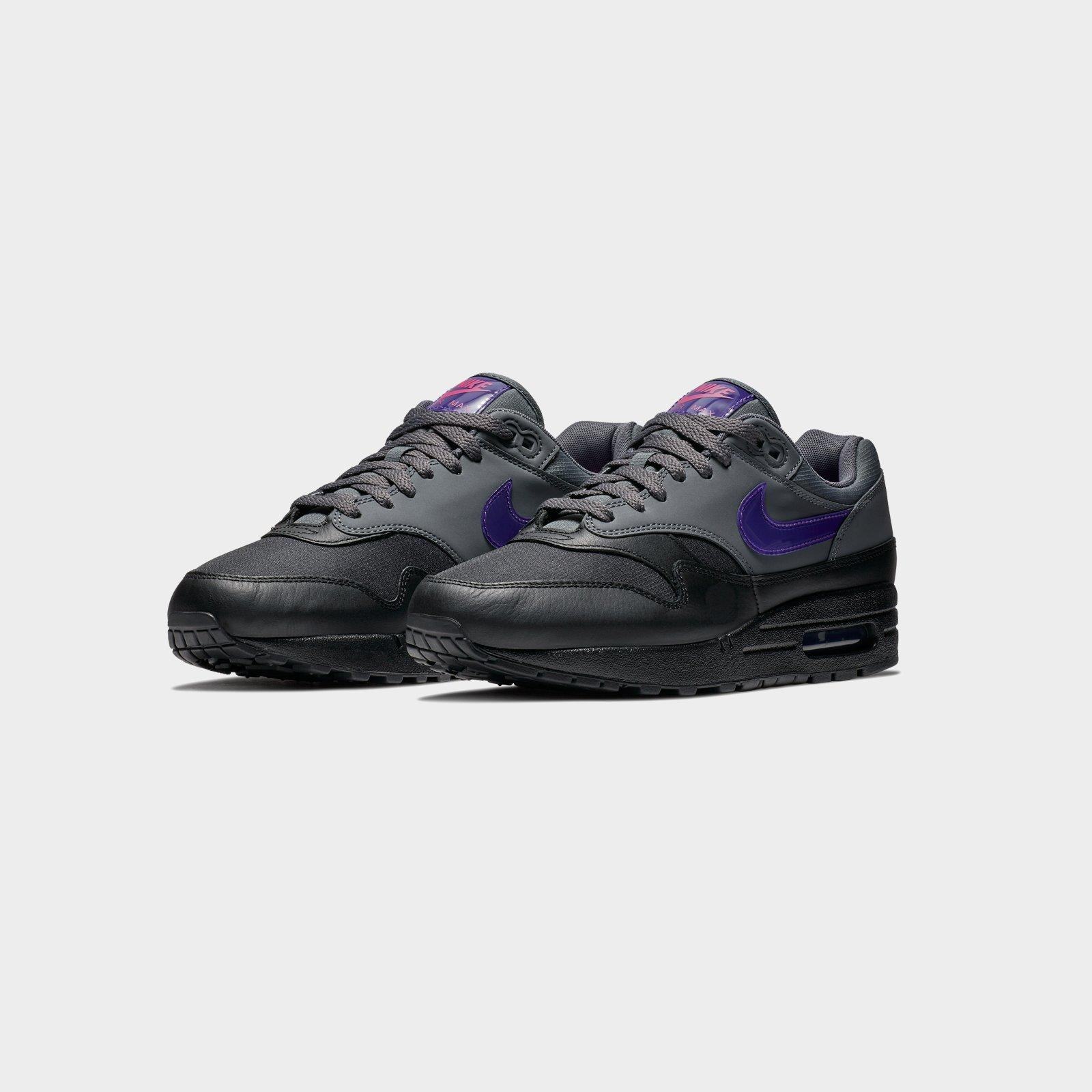 on sale ac95e 542b0 Nike Air Max 1 - Ar1249-002 - Sneakersnstuff   sneakers   streetwear online  since 1999