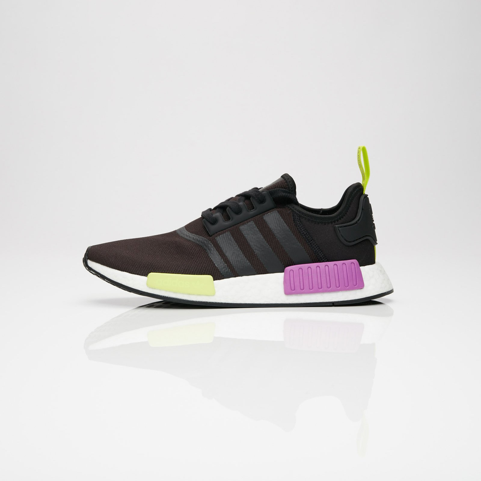 adidas NMD_R1 - D96627 - Sneakersnstuff