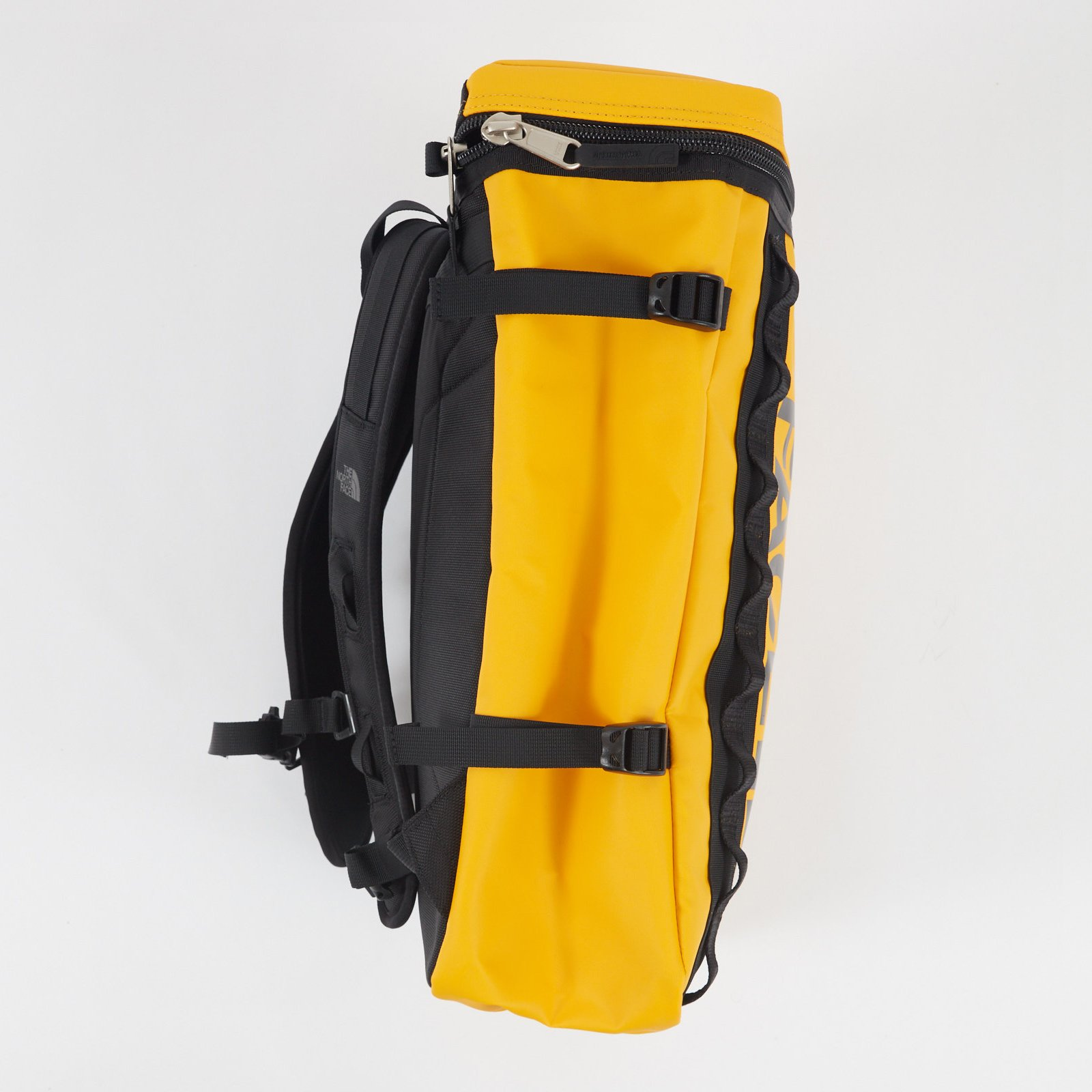 The North Face Basecamp Fuse Box - T93kvr-70m ... on