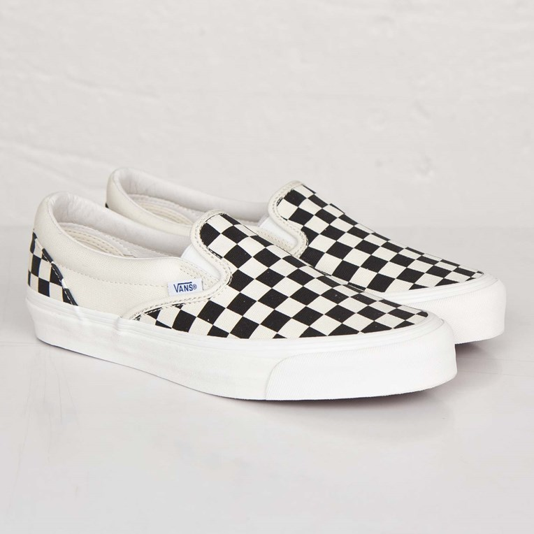Vault by Vans OG Classic Slip-On LX