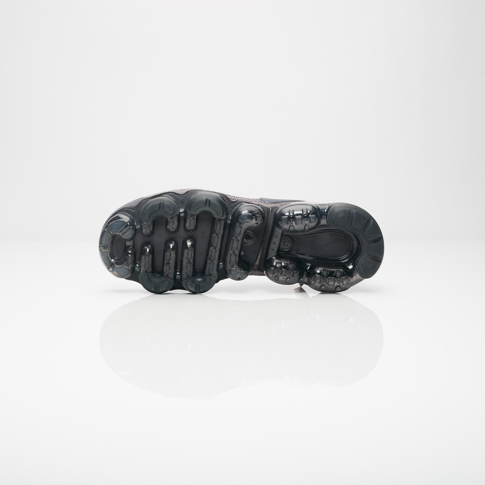 7739c004c6 Nike Wmns Air Vapormax FK Moc 2 - Aj6599-003 - Sneakersnstuff ...
