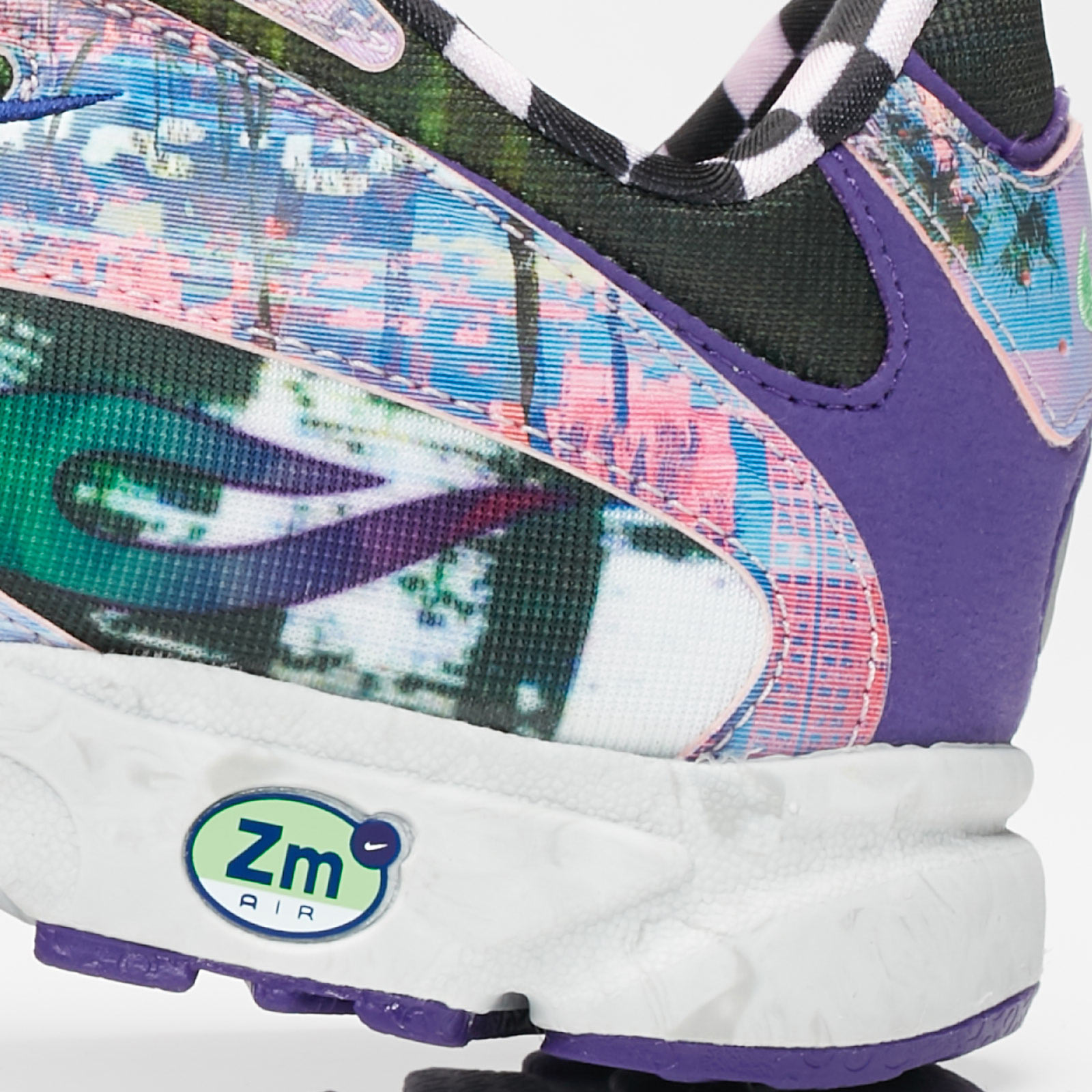 15325f77a5d33 Nike Sportswear Zoom Streak Spectrum Plus Vaporwave - 7. Close