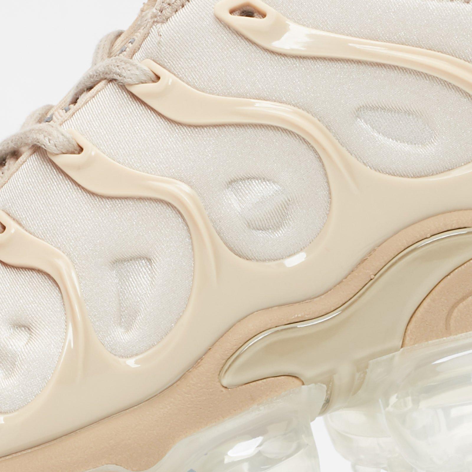 05cf88264fc Nike Air Vapormax Plus - At5681-200 - Sneakersnstuff