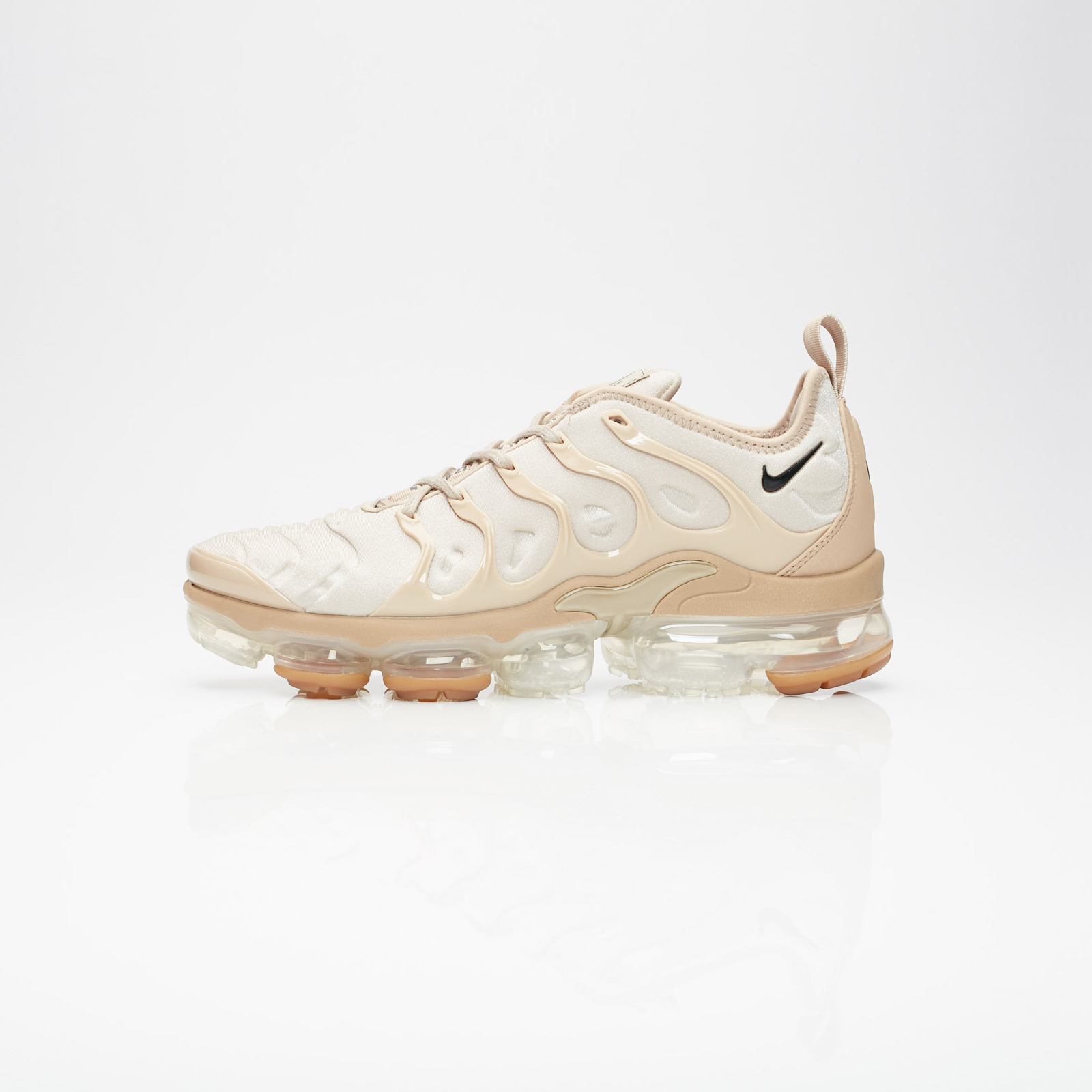 db5f31ac766 Nike Air Vapormax Plus At5681 200 Sneakersnstuff Sneakers. 95 Nike Air  Vapormax Plus Tm 520394 Size 28 35 18 4