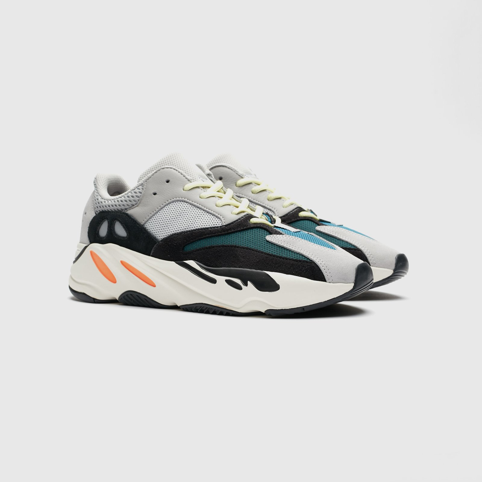 newest 57e19 15308 adidas Originals x Kanye West Yeezy Boost 700
