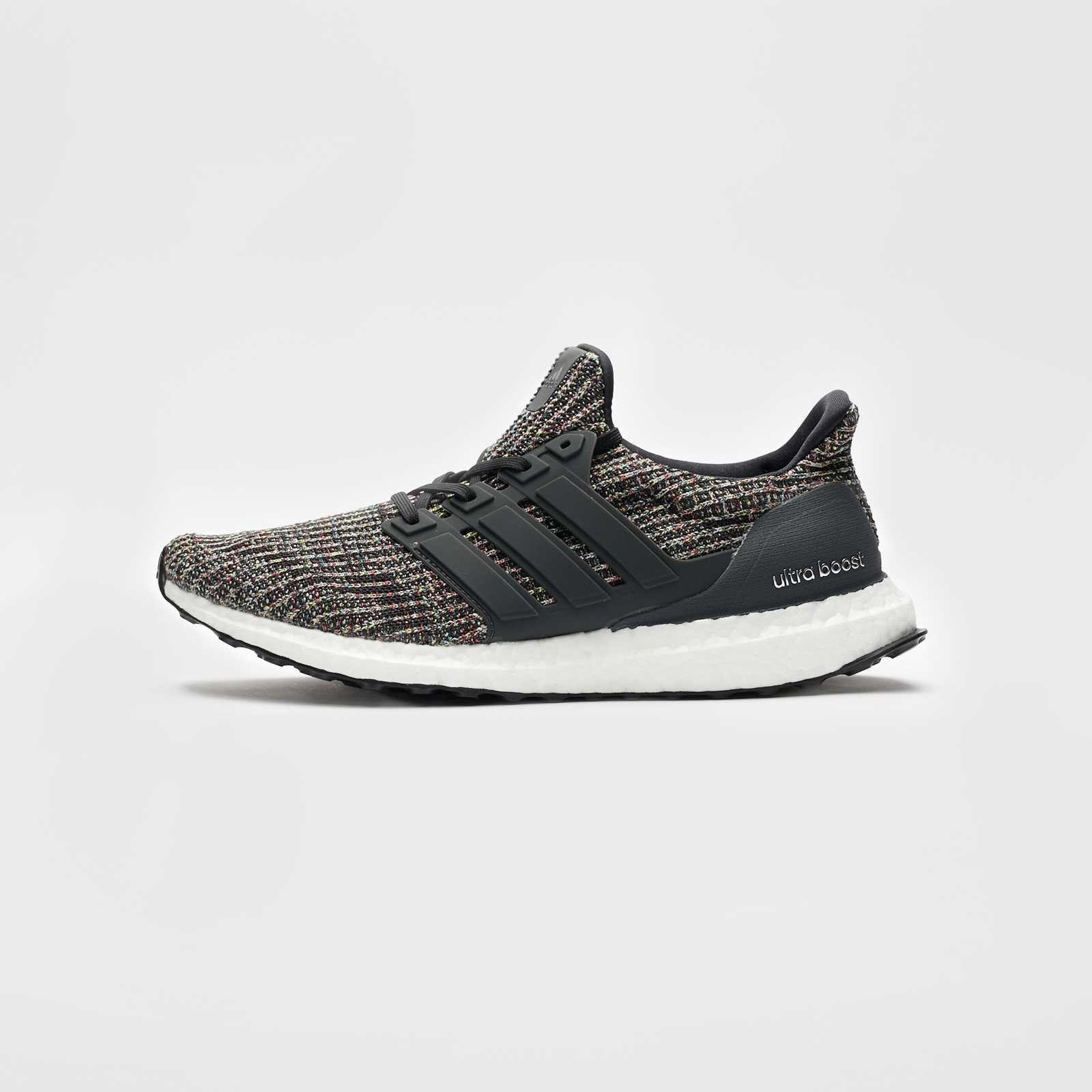 CM8110 Men/'s Brand New Adidas UltraBoost Athletic Fashion Sneakers