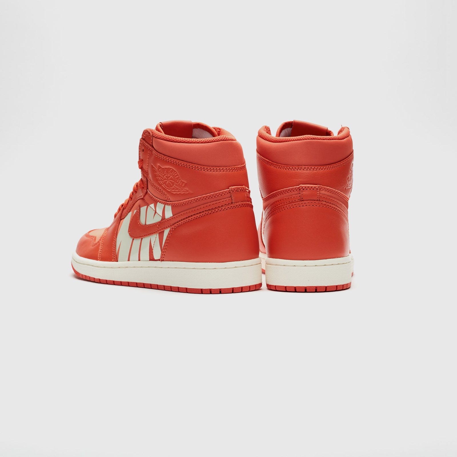 Jordan Brand Air Jordan 1 Retro High OG - 555088-800 ... 7c558120d