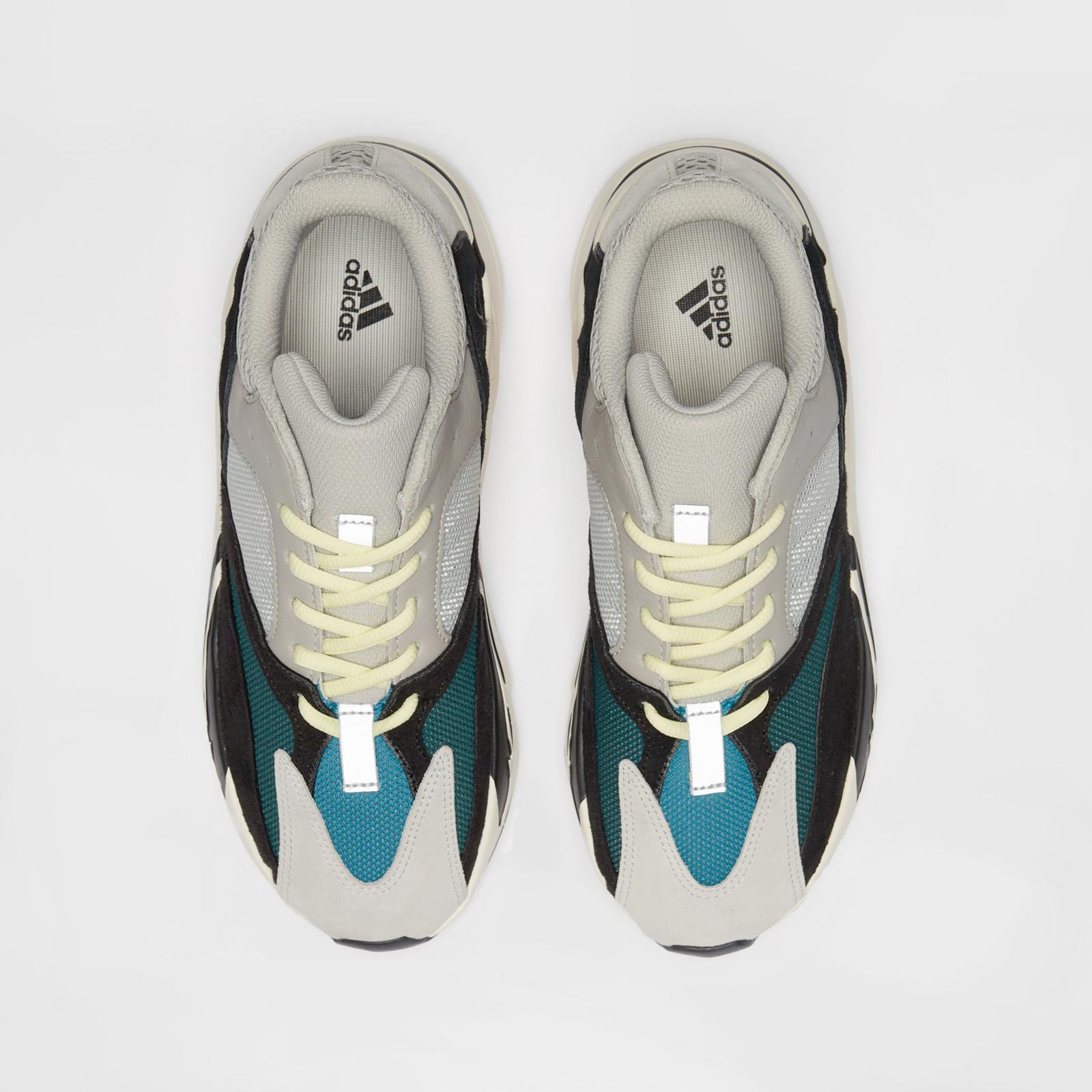 d601169e071e adidas Originals x Kanye West Yeezy Boost 700 - 7. Close