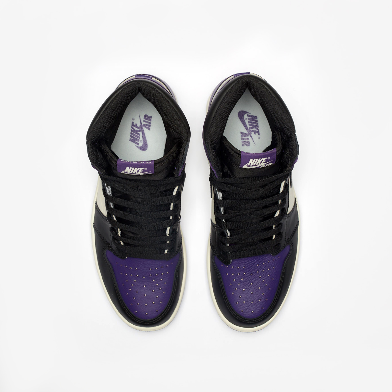 hot sales dda47 b2144 Jordan Brand Air Jordan 1 Retro High OG - 555088-501 - Sneakersnstuff    sneakers   streetwear online since 1999