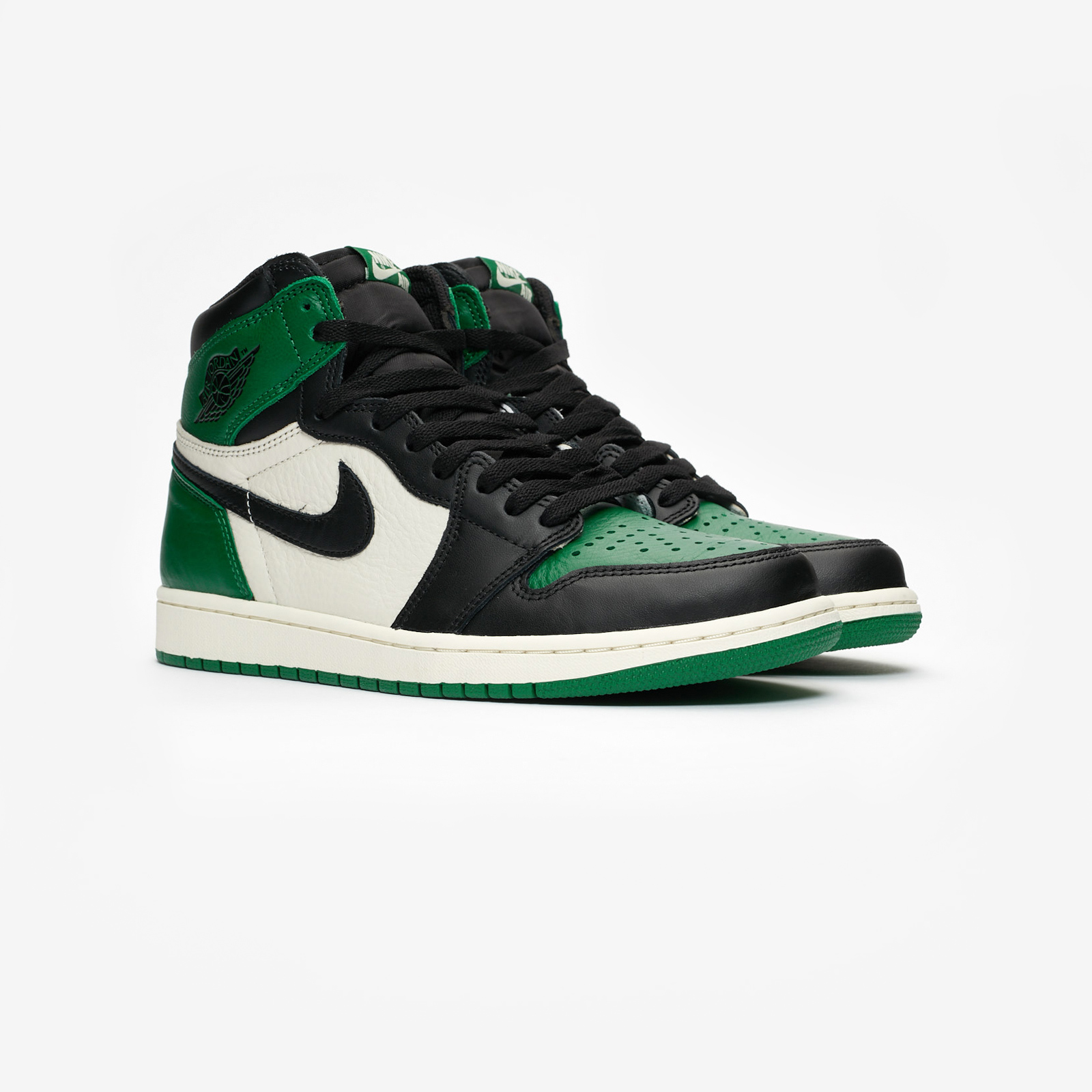 half off 50a90 a0ba0 Jordan Brand Air Jordan 1 Retro High OG