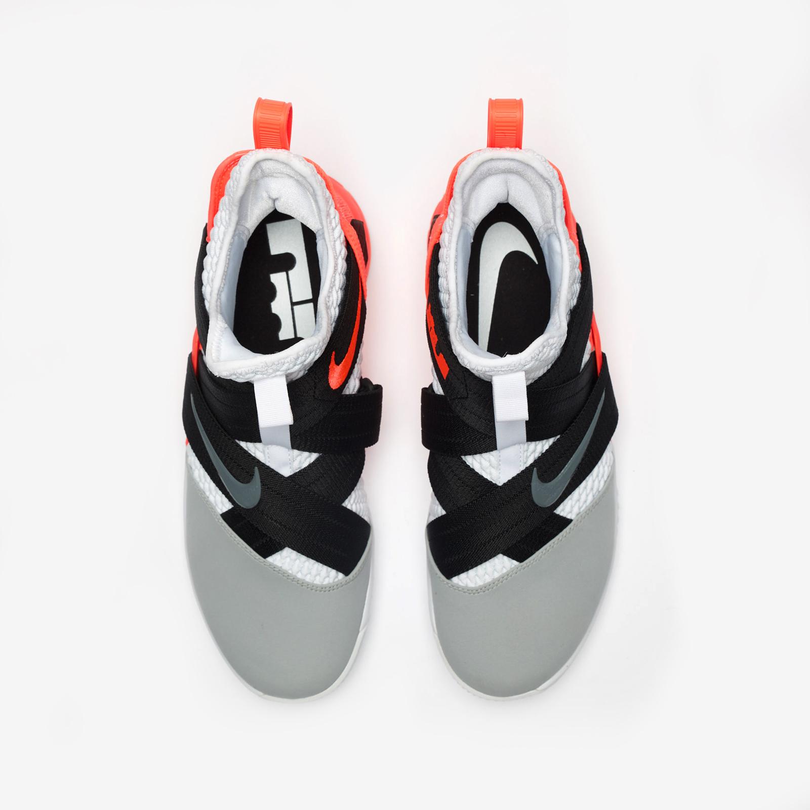 75fa57e7efe9 Nike LeBron Soldier XII SFG - Ao4054-102 - Sneakersnstuff