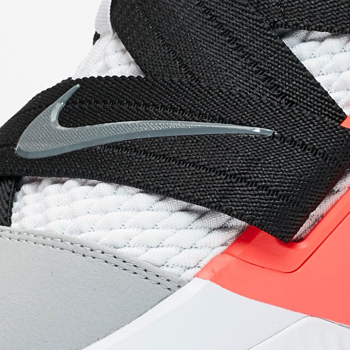 4b7c9895039d2 Nike LeBron Soldier XII SFG - Ao4054-102 - Sneakersnstuff