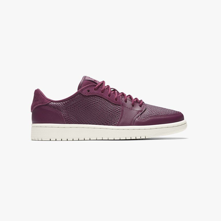 Jordan Brand Wmns Air Jordan 1 Retro Low