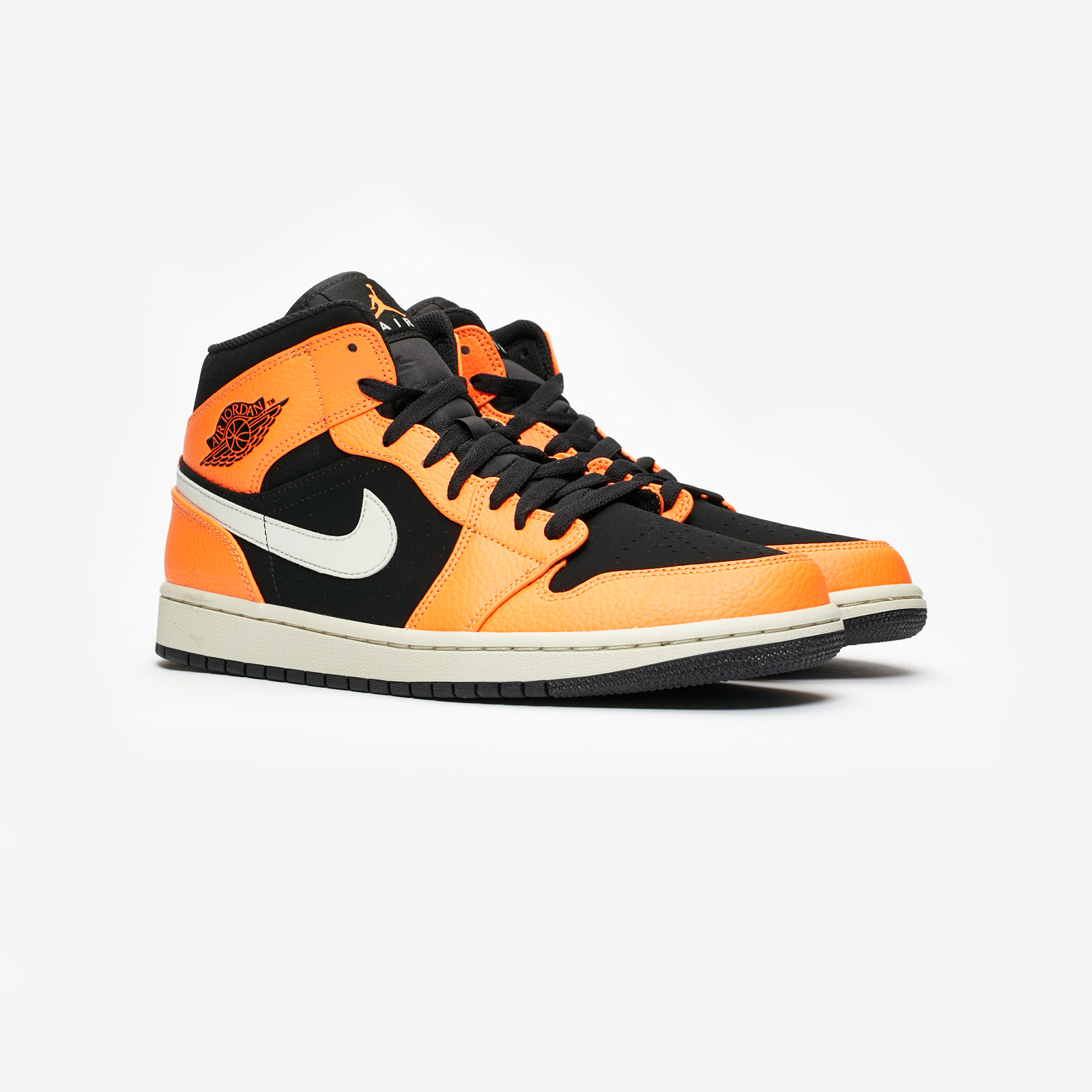 8ea75b55f38279 Jordan Brand Air Jordan 1 Mid - 554724-062 - Sneakersnstuff ...