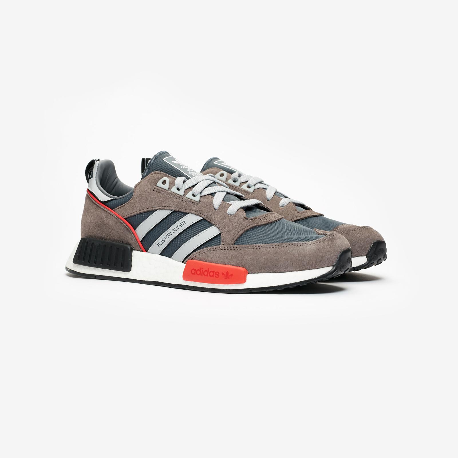 big sale a1aa1 38017 adidas Originals Boston Super x R1