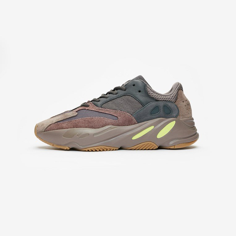 adidas Originals x Kanye West YEEZY BOOST 700 - 3