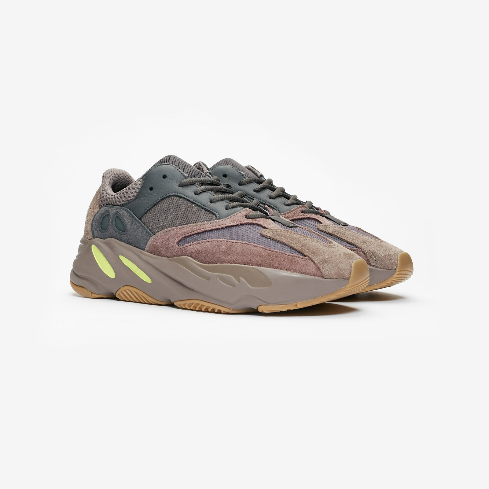 4e059a6cb adidas YEEZY BOOST 700 - Ee9614 - Sneakersnstuff