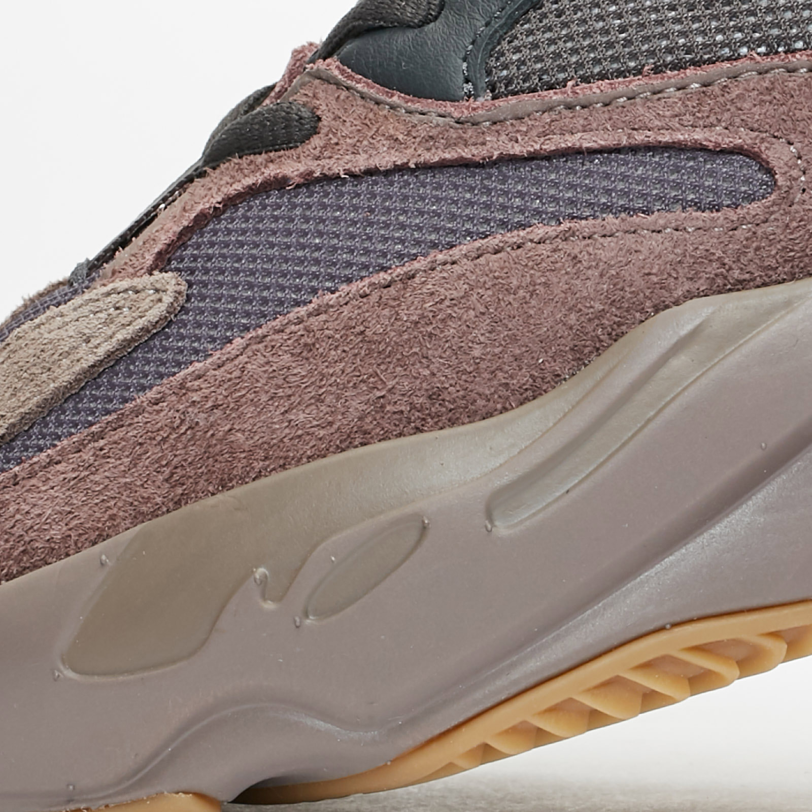 669892957 adidas YEEZY BOOST 700 - Ee9614 - Sneakersnstuff