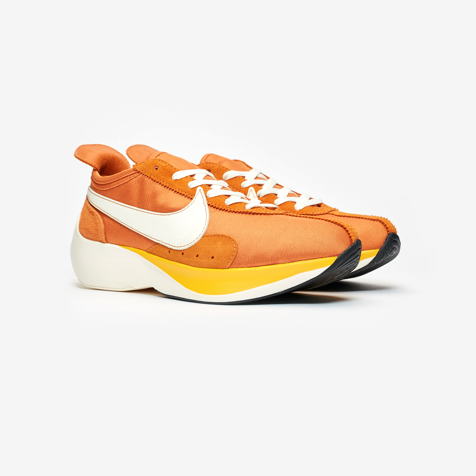 new styles a8825 b3907 Nike Sportswear Moon Racer QS