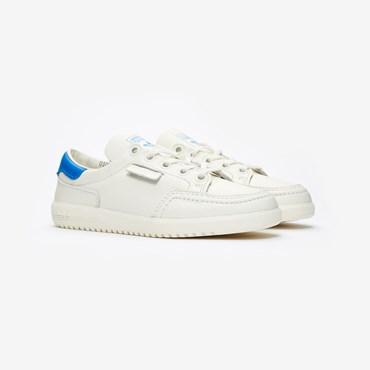 buy online d63cb 2a9f3 Rea - Sneakersnstuff   sneakers   streetwear på nätet sen 1999