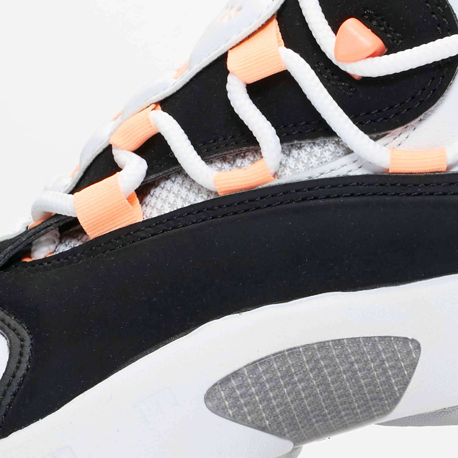 e330c0dcce0 Nike Wmns Air Swoopes II - 917592-102 - Sneakersnstuff