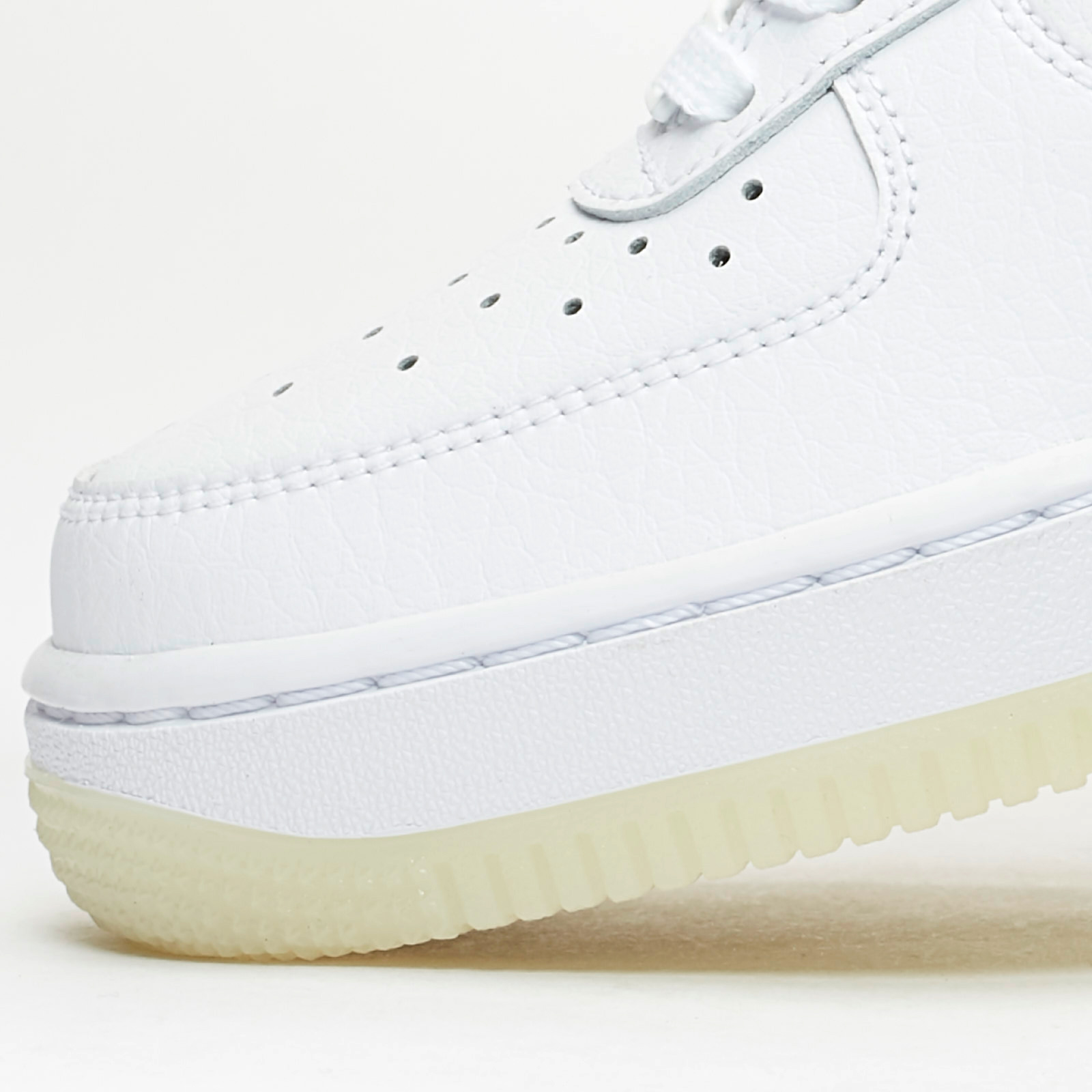 check out 6a4d1 d60fd Nike Sportswear Wmns Air Force 1  07 Essential - 7. Close