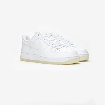 online retailer 99572 e5283 Wmns Air Force 1  07 Essential