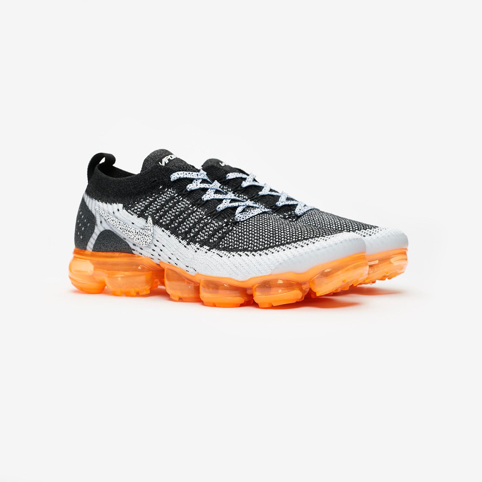 78e4ebf627 Nike Air Vapormax Flyknit 2 - 942842-106 - Sneakersnstuff   sneakers ...