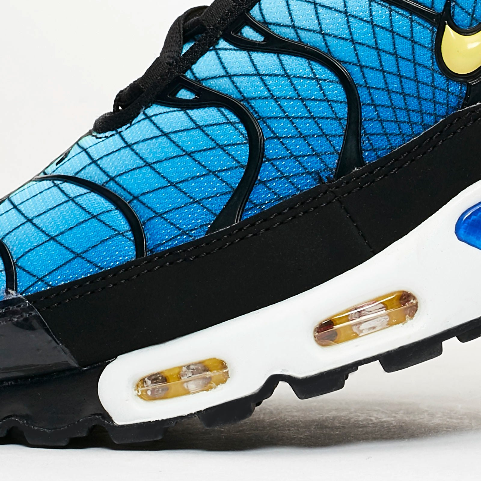 Nike Air Max Plus Av7021 001 Sneakersnstuff | sneakers
