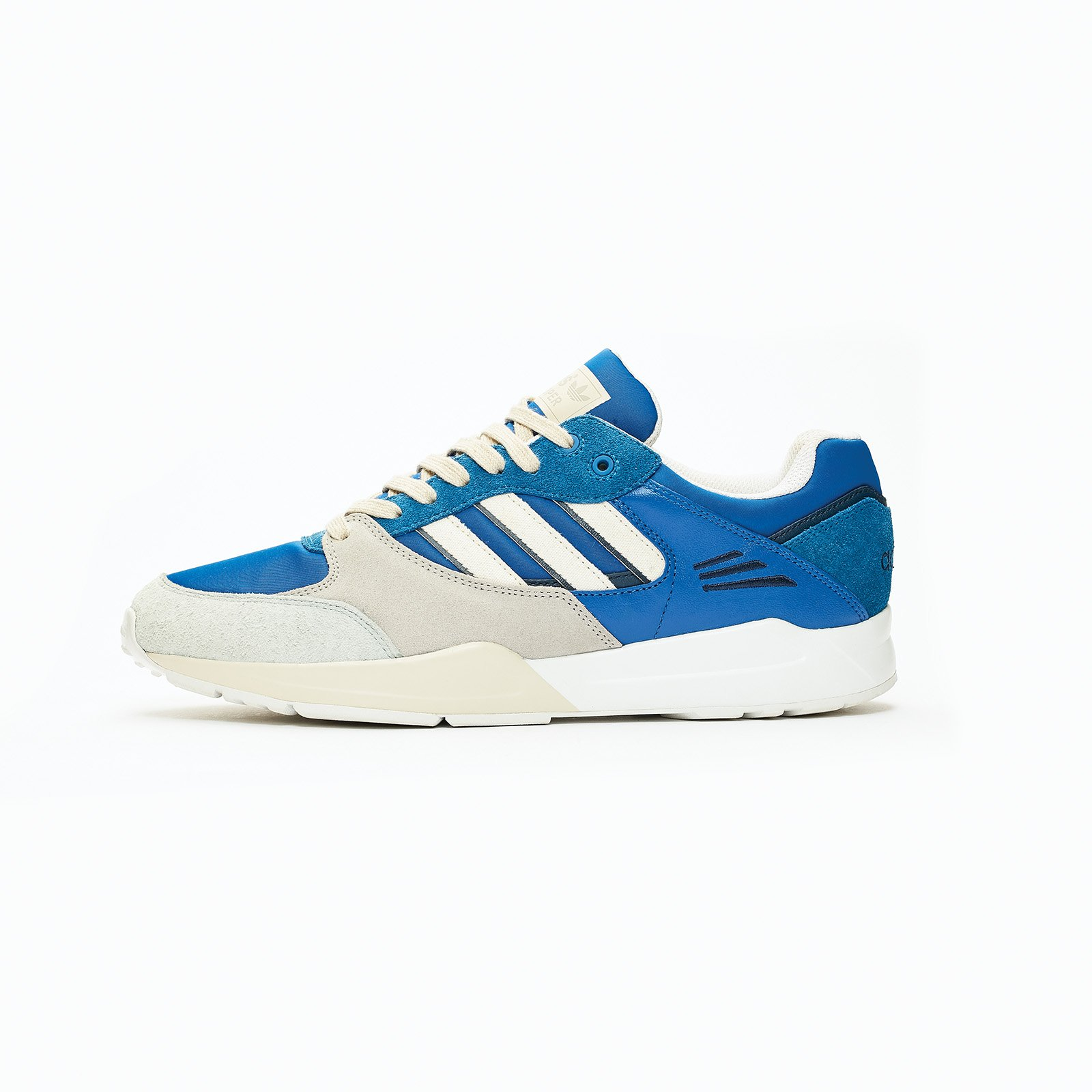 online store 9446e dff34 adidas Originals Tech Super