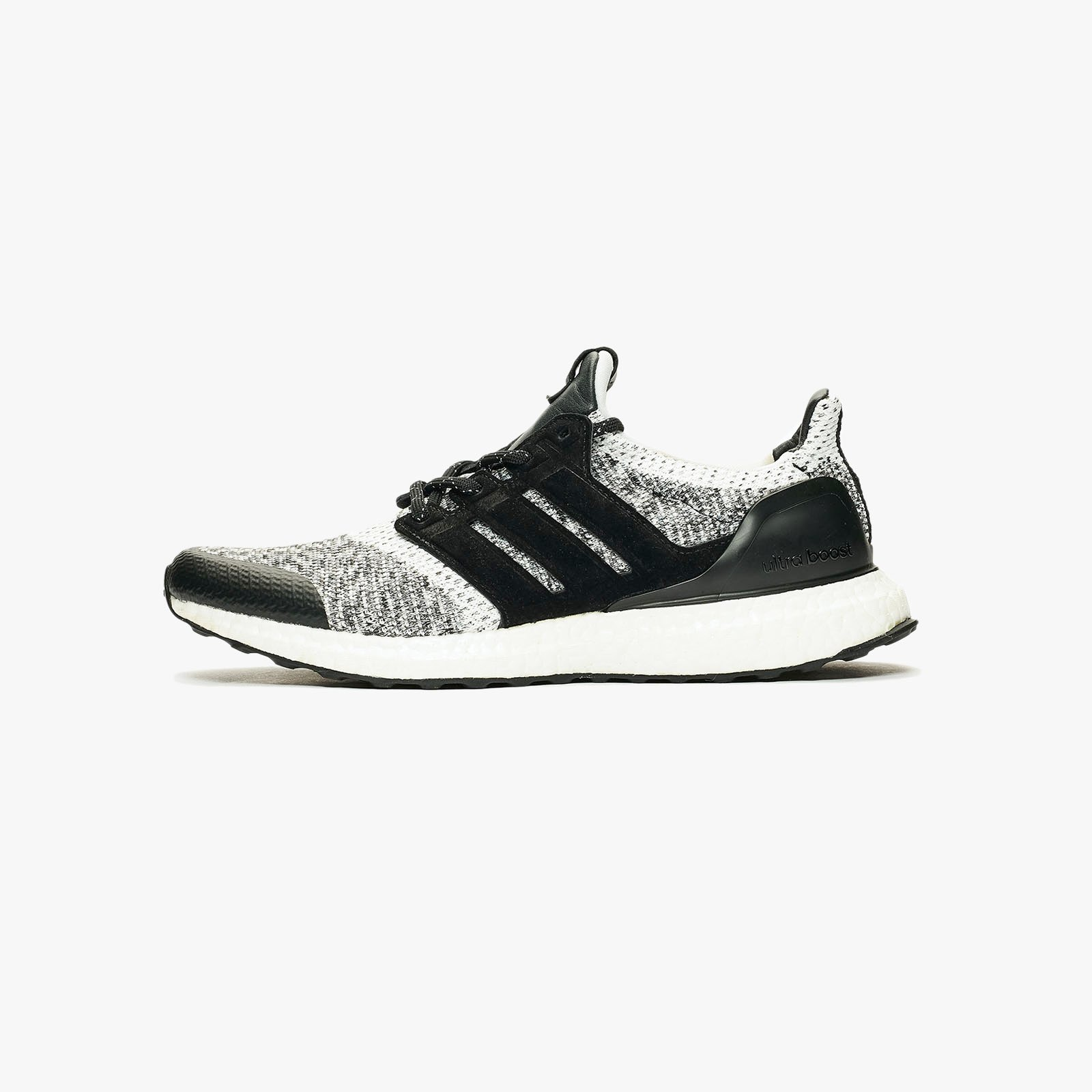 finest selection 7e917 55522 adidas Consortium SNS x Social Status UltraBOOST