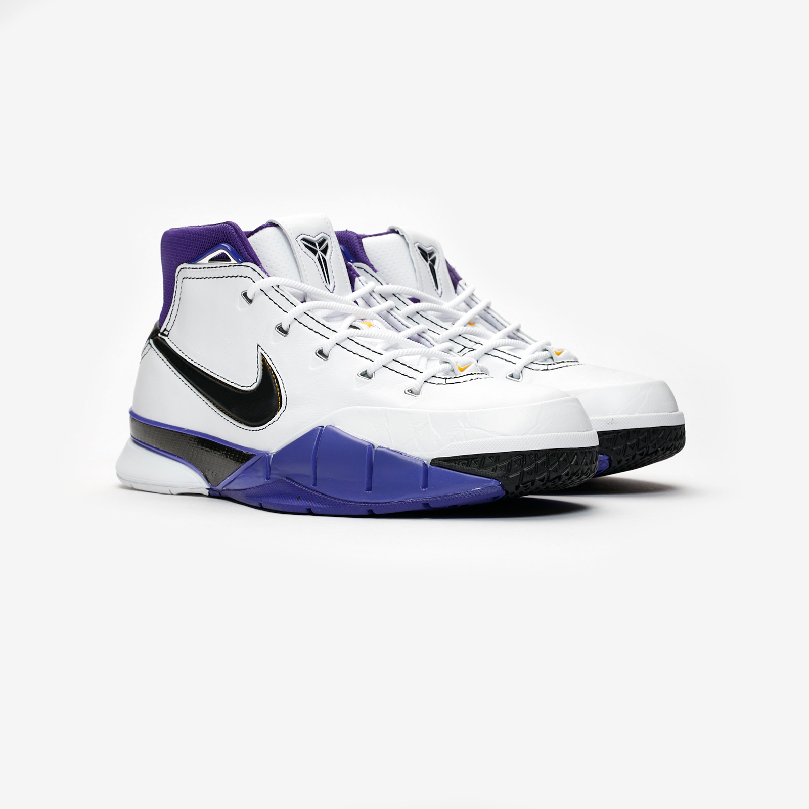 99e8886648e Nike Kobe 1 Protro - Aq2728-105 - Sneakersnstuff