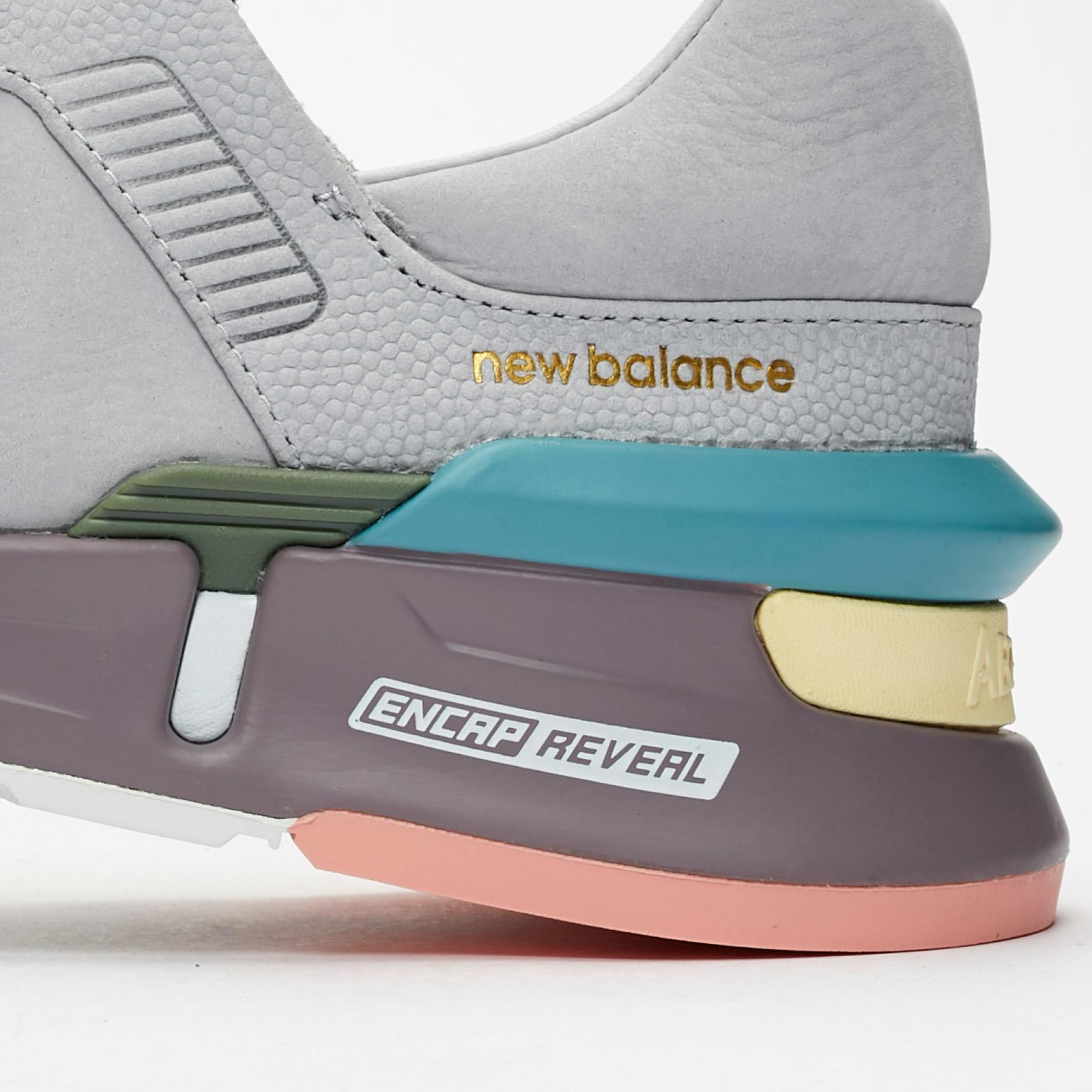 Generalizar Cerveza inglesa analogía  New Balance MS997 - Ms997tkd - Sneakersnstuff | sneakers & streetwear  online since 1999