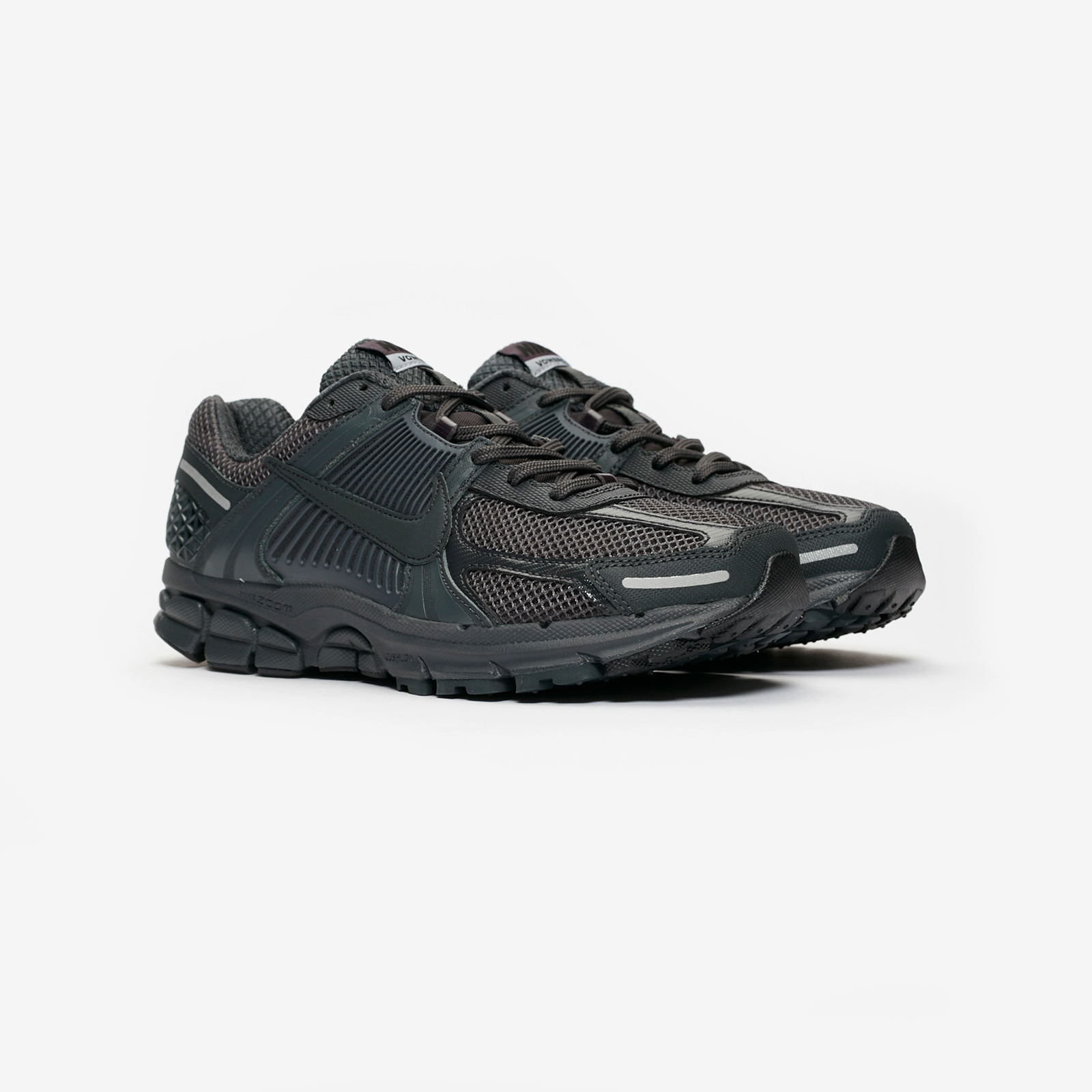 cdc5a99666c05 Nike Zoom Vomero 5 SP - Bv1358-002 - Sneakersnstuff