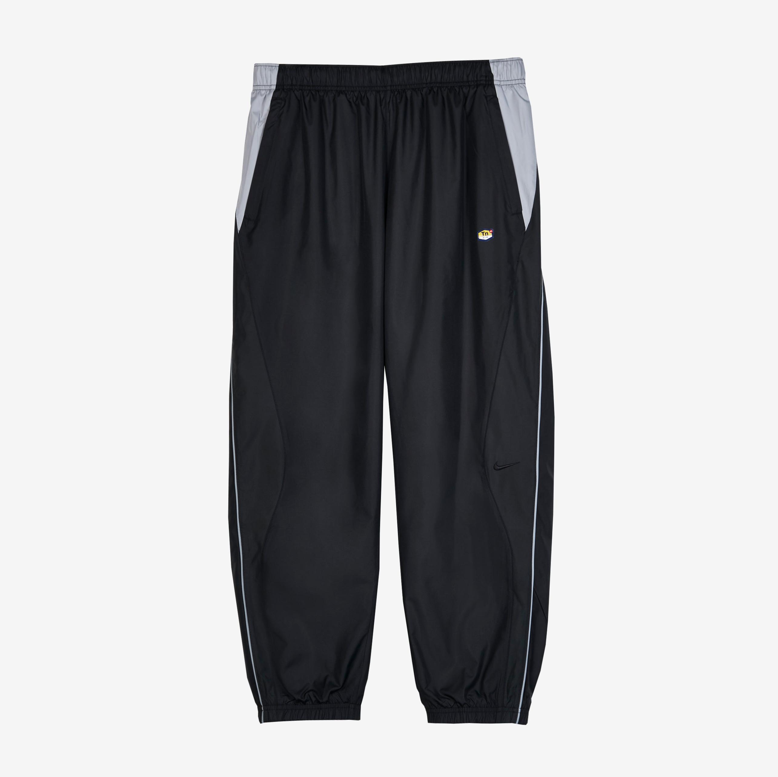 3855e20d2d7f2 Nike Tn Track Pant - Ar5858-010 - Sneakersnstuff