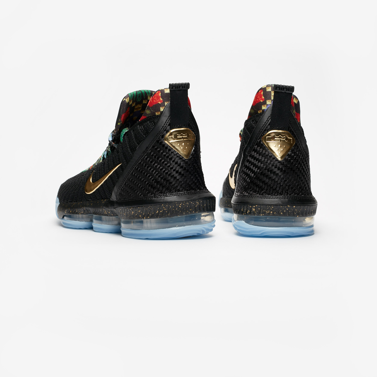 huge discount c4015 59c67 Nike Lebron XVI KC - Ci1518-001 - Sneakersnstuff   sneakers   streetwear på  nätet sen 1999