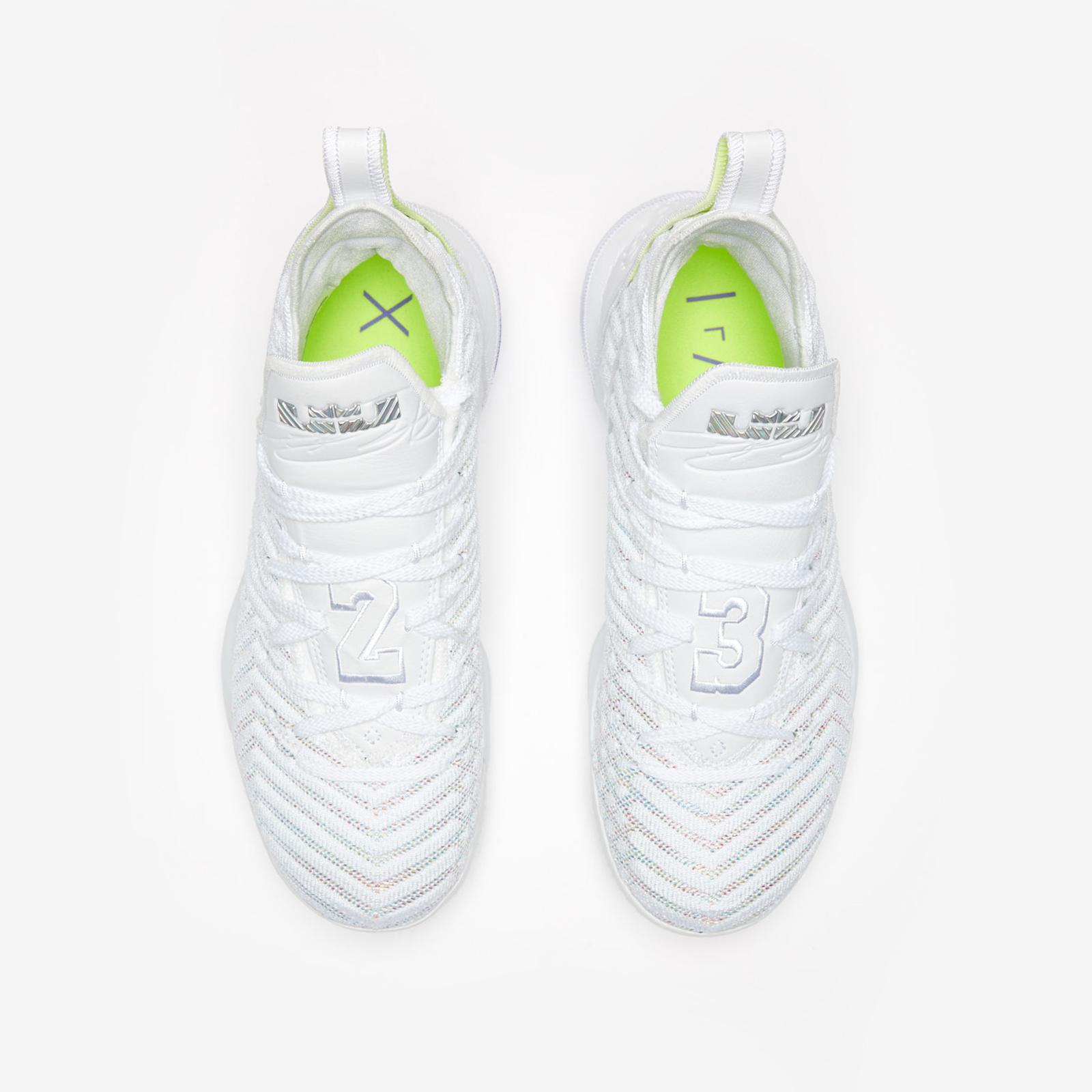 Nike LeBron XVI - Ao2588-102 - Sneakersnstuff   sneakers & streetwear online since 1999