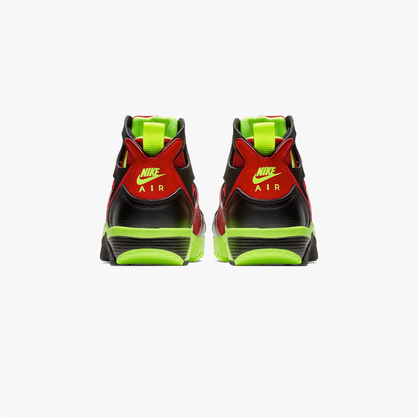 2ad50952ec3 Nike Air Trainer Huarache - 679083-020 - Sneakersnstuff