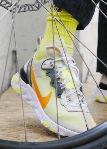 outlet store 9ea77 454e4 Nike - Sneakersnstuff   sneakers   streetwear på nätet sen 1999