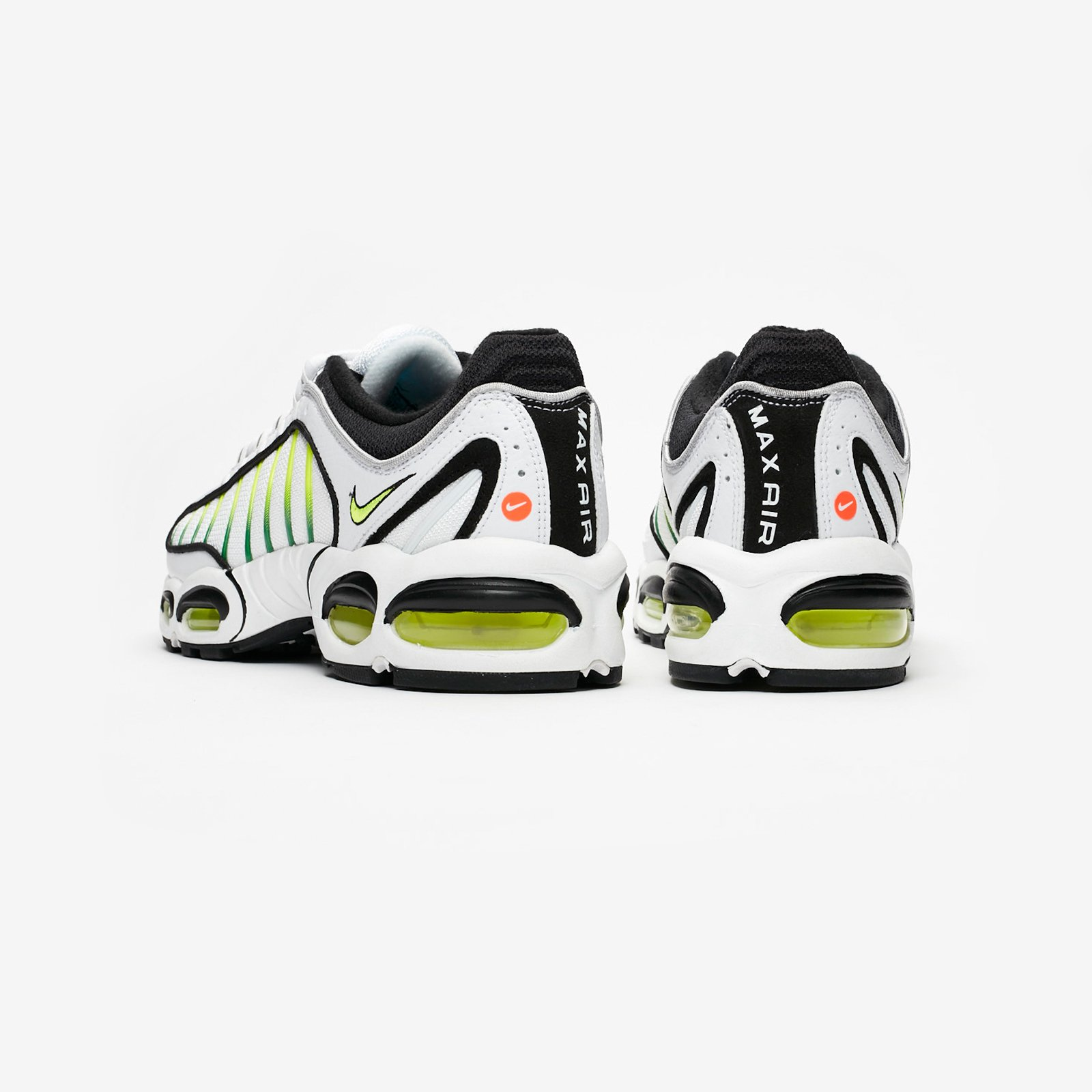 sneakersnstuff tailwind