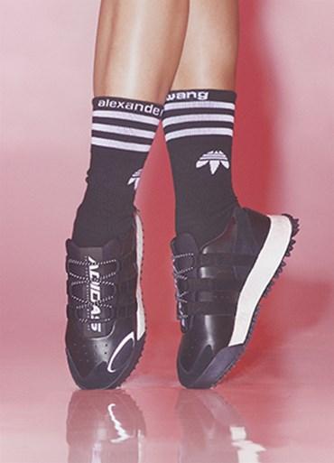 the latest 03e2c 4dc66 Dam - Sneakersnstuff   sneakers   streetwear på nätet sen 1999