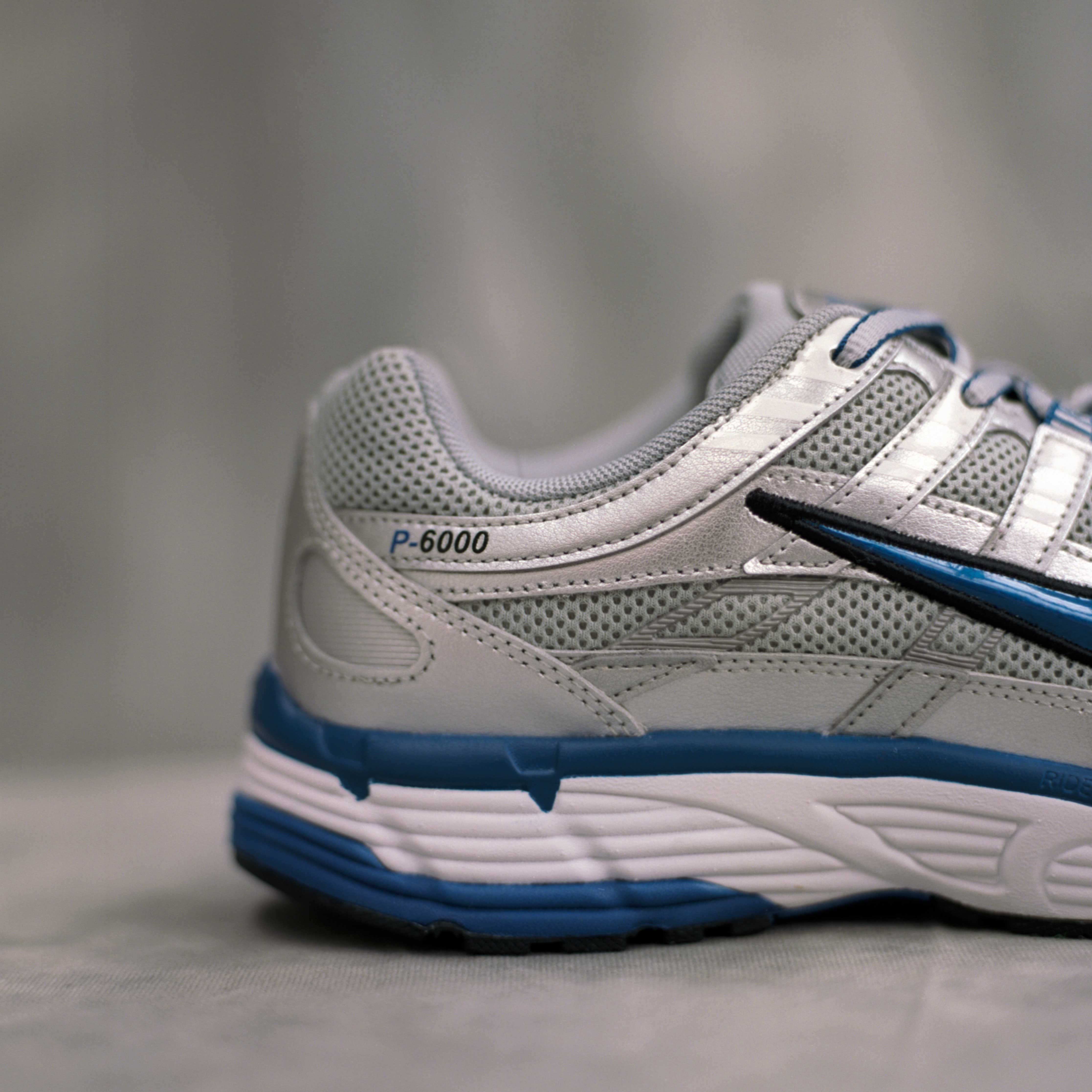 newest 2ec49 9b698 Nike Sportswear Wmns P-6000 - 10. Close