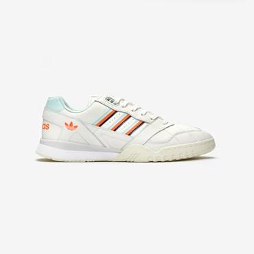 new concept 6d246 e2857 Sneakersnstuff   sneakers   streetwear online since 1999