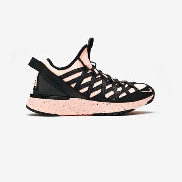sports shoes 3c620 56bba ACG React Terra Gobe