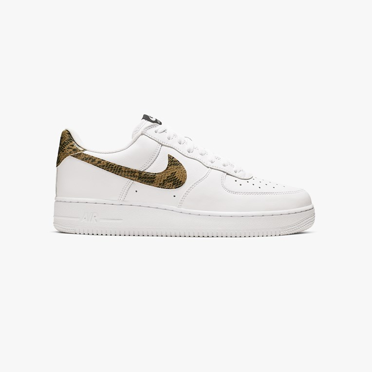 Nike Sportswear Air Force 1 Low Retro Premium QS