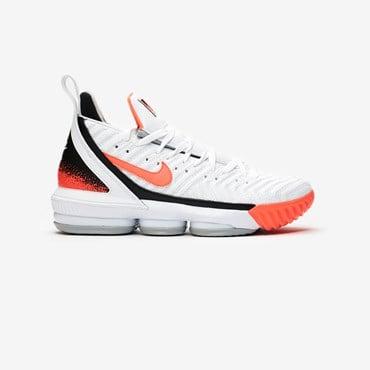 separation shoes 09181 6e025 Nike Basketball LeBron XVI